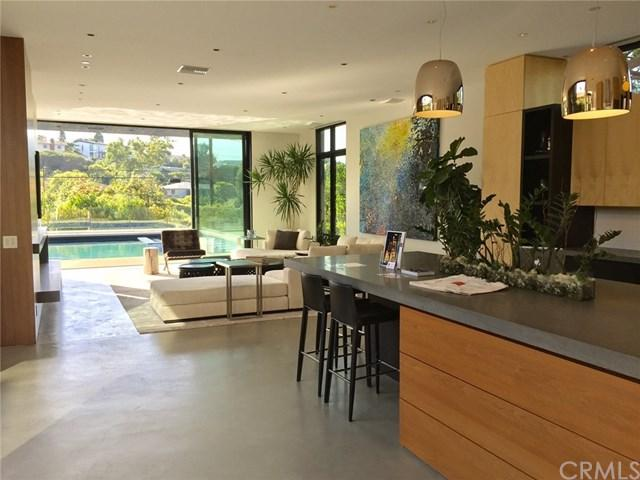 233 S Meadows Avenue, Manhattan Beach, CA 90266 (#SB18047035) :: Z Team OC Real Estate