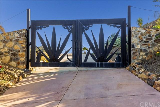 26525 Skyrocket Drive, Temecula, CA 92590 (#SW18045609) :: Realty Vault