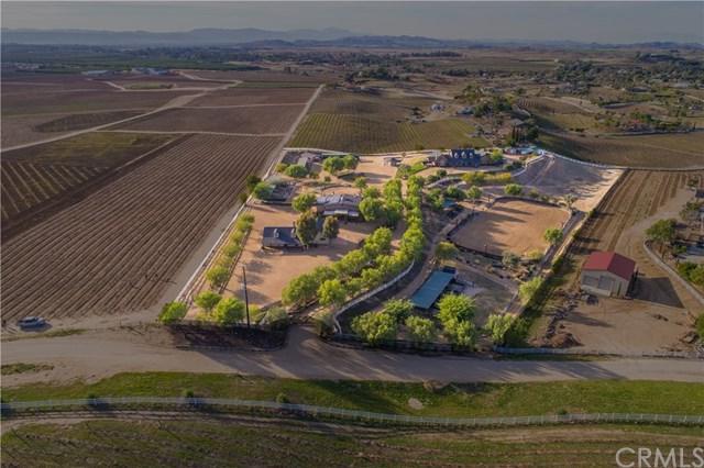 40125 Camino Del Vino, Temecula, CA 92592 (#SW18045369) :: Realty Vault