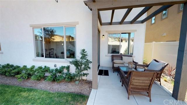 11811 Greenbrier Lane, Grand Terrace, CA 92313 (#IG18052767) :: RE/MAX Masters