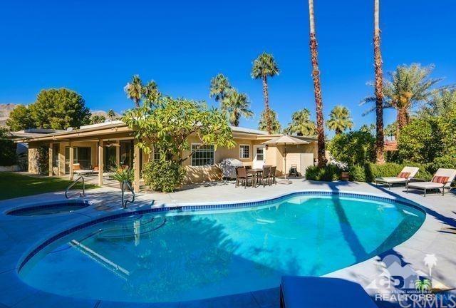 72987 Skyward Way, Palm Desert, CA 92260 (#218007956DA) :: Z Team OC Real Estate