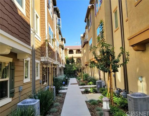 7254 N Cedar Road, Van Nuys, CA 91405 (#SR18050643) :: Z Team OC Real Estate