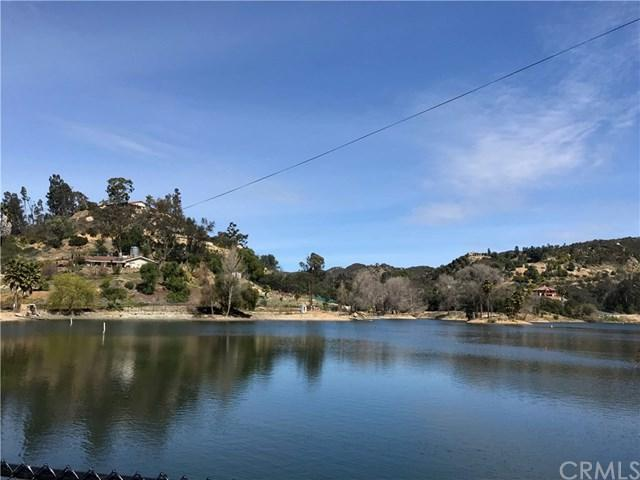 2473 Vickers Road, Fallbrook, CA 92028 (#SW18055659) :: Kristi Roberts Group, Inc.