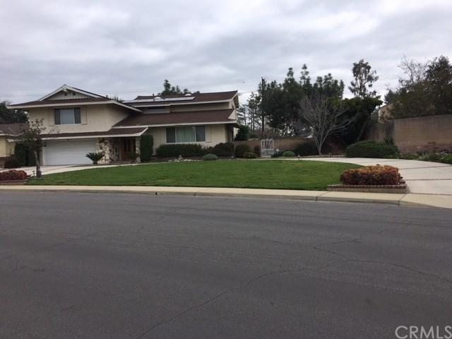 848 Marymount Lane, Claremont, CA 91711 (#CV18057614) :: Mainstreet Realtors®