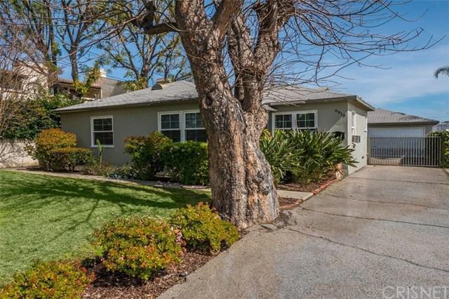 6910 De Celis Place, Lake Balboa, CA 91406 (#SR18043939) :: RE/MAX Masters