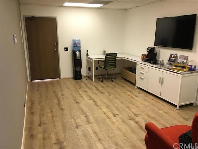 23276 S Pointe Drive #217, Laguna Hills, CA 92653 (#OC18058682) :: Berkshire Hathaway Home Services California Properties