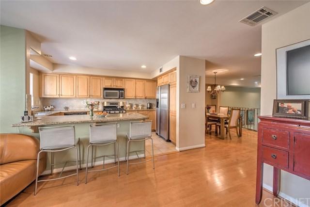 18656 Hatteras Street 110A, Tarzana, CA 91356 (#SR18044676) :: Fred Sed Realty