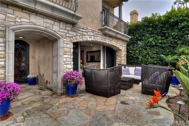 438 Dahlia Avenue, Corona Del Mar, CA 92625 (#NP18056266) :: Scott J. Miller Team/RE/MAX Fine Homes