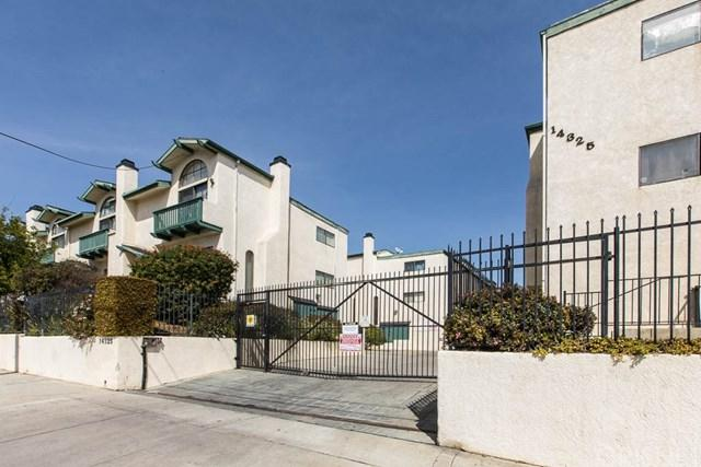 14325 Foothill Boulevard #35, Sylmar, CA 91342 (#SR18059715) :: Fred Sed Realty