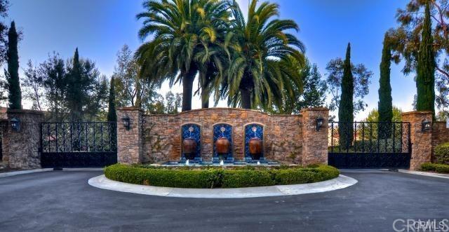 1 Altino, Newport Coast, CA 92657 (#OC18060439) :: Fred Sed Realty