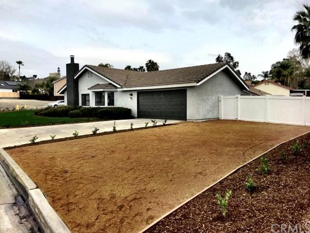 22831 Compass Drive, Canyon Lake, CA 92587 (#SW18060172) :: Impact Real Estate