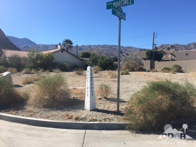 Calle Temecula, La Quinta, CA 92253 (#218008640DA) :: Kristi Roberts Group, Inc.