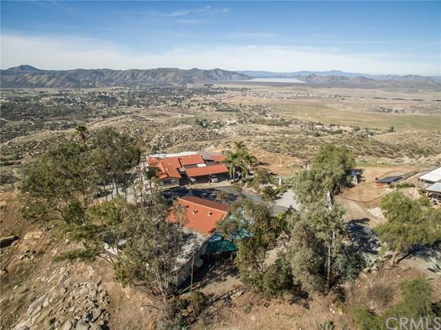 42435 Gibbel Road, Hemet, CA 92544 (#SW18056424) :: Allison James Estates and Homes
