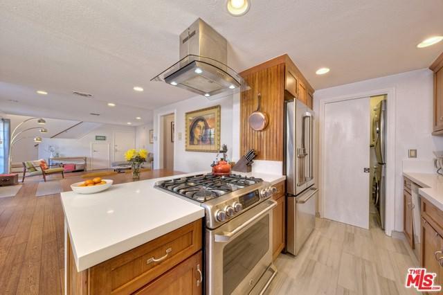 743 Pier Avenue #4, Santa Monica, CA 90405 (#18323424) :: Erik Berry & Associates