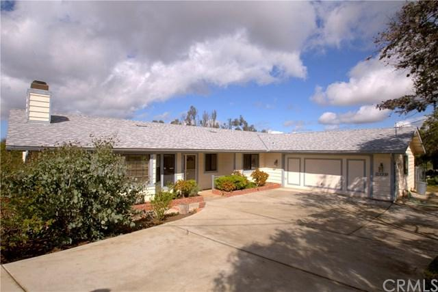 3805 Monserate Terrace, Fallbrook, CA 92028 (#RS18060820) :: Kristi Roberts Group, Inc.