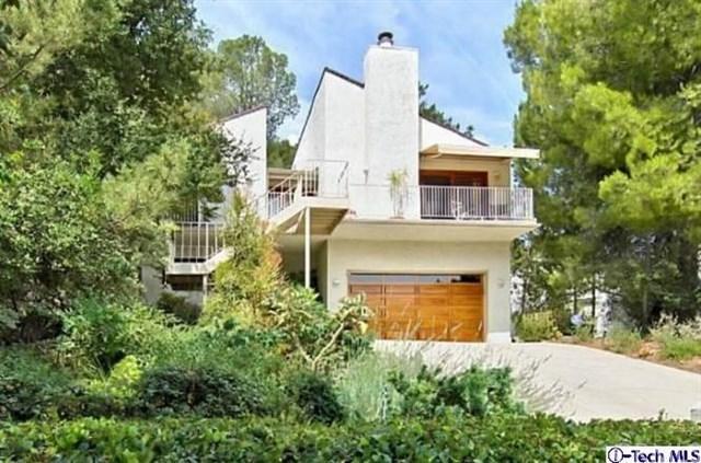 4329 Ensenada Drive, Woodland Hills, CA 91364 (#318000981) :: Realty Vault