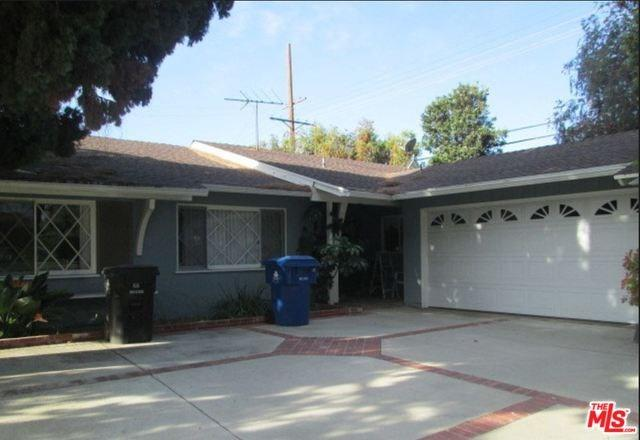 16954 Rinzler Street, Northridge, CA 91343 (#18323876) :: Fred Sed Realty