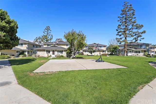 7828 Arbor Circle, Huntington Beach, CA 92647 (#PW18061108) :: DiGonzini Real Estate Group