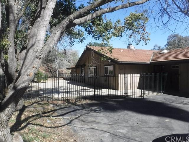 3161 Gird Road, Fallbrook, CA 92028 (#SW18061337) :: Kristi Roberts Group, Inc.