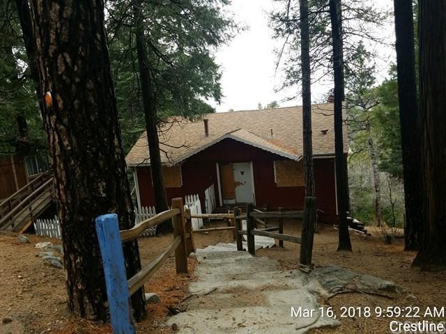 24646 Lake Gregory Drive, Crestline, CA 92325 (#CV18061396) :: RE/MAX Masters