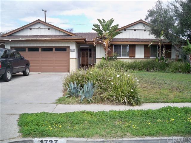 1727 E Arbutus Avenue, Anaheim, CA 92805 (#PW18061694) :: The Darryl and JJ Jones Team
