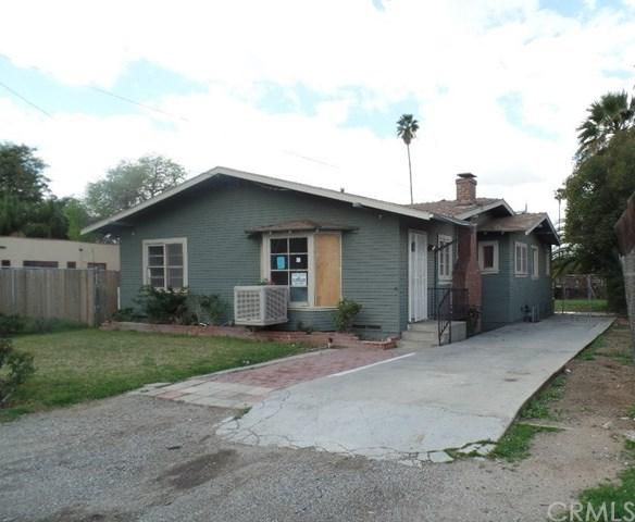 4857 Howard Avenue, Riverside, CA 92507 (#IG18061596) :: Mainstreet Realtors®