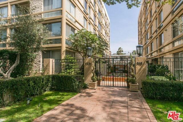320 N Maple Drive #301, Beverly Hills, CA 90210 (#18323954) :: The Avellan Group