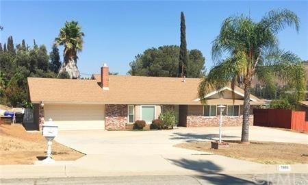 7886 Big Rock Drive, Riverside, CA 92509 (#CV18061857) :: Mainstreet Realtors®