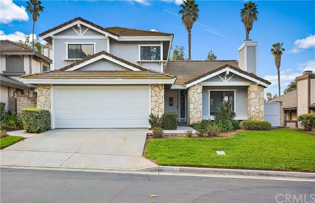 2654 Hampton Way, Riverside, CA 92506 (#CV18061569) :: The Avellan Group