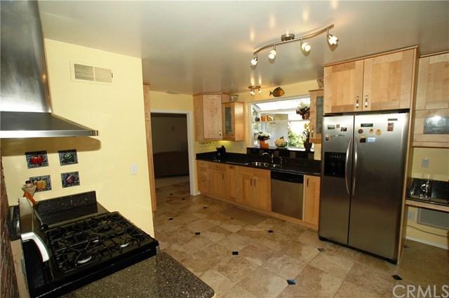 1225 E Darby Avenue, Orange, CA 92865 (#OC18062315) :: Allison James Estates and Homes