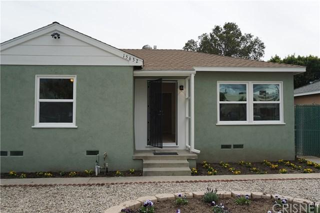 15632 Saticoy Street, Van Nuys, CA 91406 (#SR18062182) :: The Darryl and JJ Jones Team