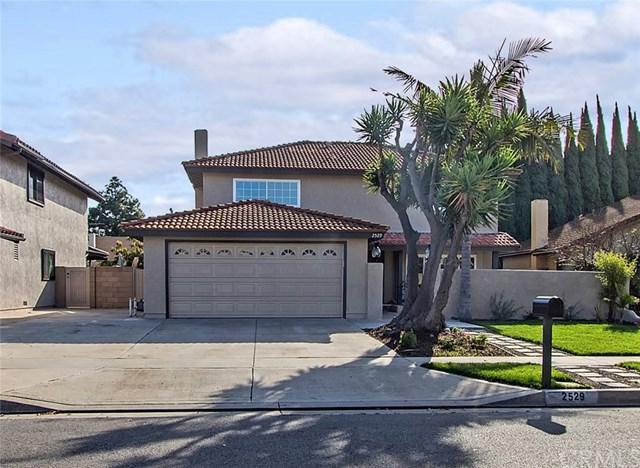 2529 S Townsend Street, Santa Ana, CA 92704 (#PW18062566) :: DiGonzini Real Estate Group