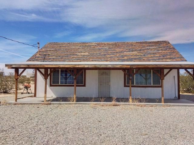 1176 Meldora Avenue, 29 Palms, CA 92277 (#JT18059266) :: DiGonzini Real Estate Group