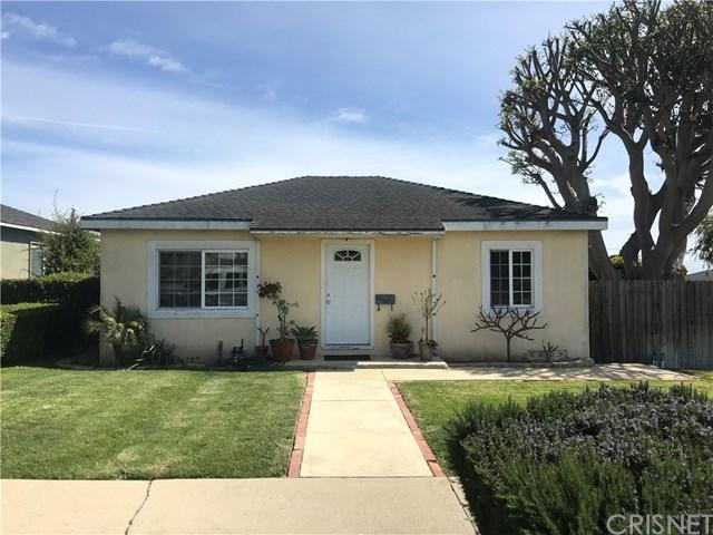 2654 S Patton Avenue, San Pedro, CA 90731 (#SR18062526) :: Go Gabby