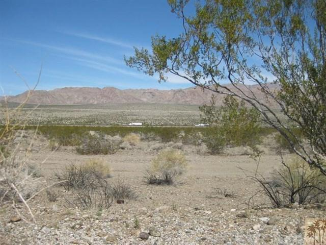 10 Acres I-10 & Chiriaco Summit, Desert Center, CA 92239 (#218008898DA) :: Barnett Renderos