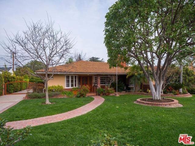 4426 Hobbs Drive, La Canada Flintridge, CA 91011 (#18324640) :: Prime Partners Realty
