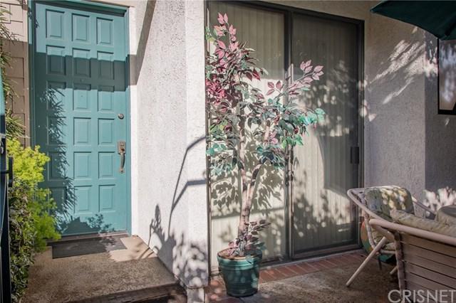 18701 Hatteras Street #4, Tarzana, CA 91356 (#SR18063074) :: Prime Partners Realty