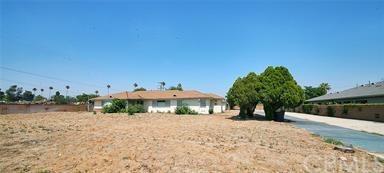 16466 Foothill Boulevard, Fontana, CA 92335 (#CV18063889) :: Z Team OC Real Estate