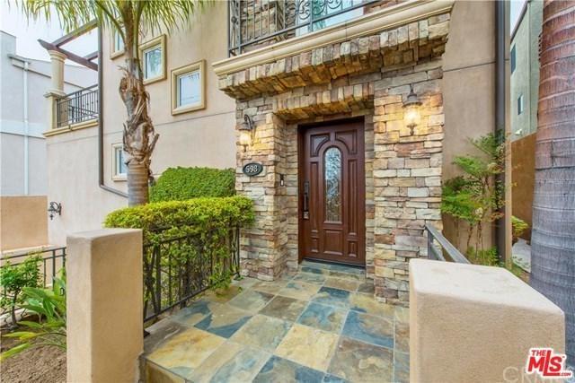 598 1ST Street, Hermosa Beach, CA 90254 (#18324998) :: Impact Real Estate