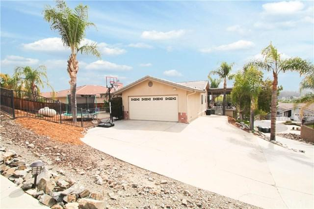 23296 Clipper Court, Canyon Lake, CA 92587 (#SW18059931) :: Dan Marconi's Real Estate Group