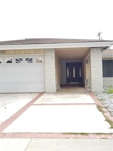 302 W 229th Street, Carson, CA 90745 (#SB18057563) :: RE/MAX Empire Properties