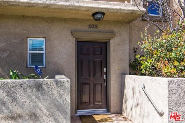10803 Hesby Street #103, North Hollywood, CA 91601 (#18325352) :: The Darryl and JJ Jones Team