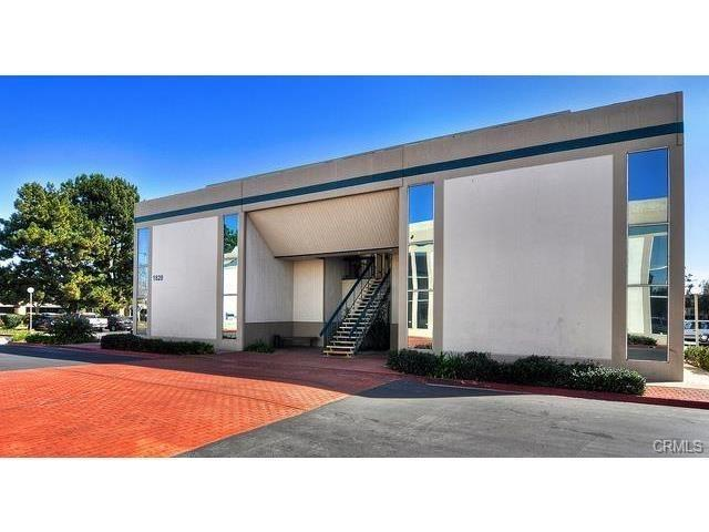 1820 E Garry Avenue 201-D, Santa Ana, CA 92705 (#TR18065320) :: Kristi Roberts Group, Inc.