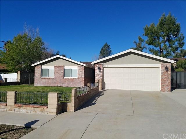5694 Acacia Avenue, San Bernardino, CA 92407 (#TR18065603) :: Go Gabby