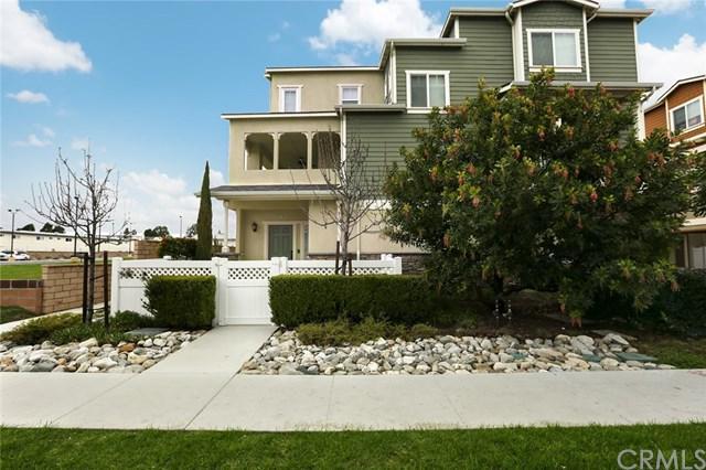 3525 Maricopa Street #8, Torrance, CA 90503 (#SB18066530) :: Barnett Renderos