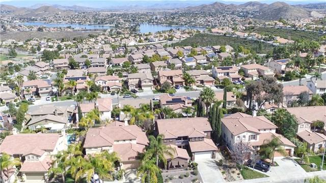 37 Vista Palermo, Lake Elsinore, CA 92532 (#SW18066456) :: Kim Meeker Realty Group