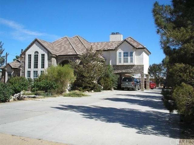 14685 Riverside Drive, Apple Valley, CA 92307 (#CV18067120) :: Realty Vault