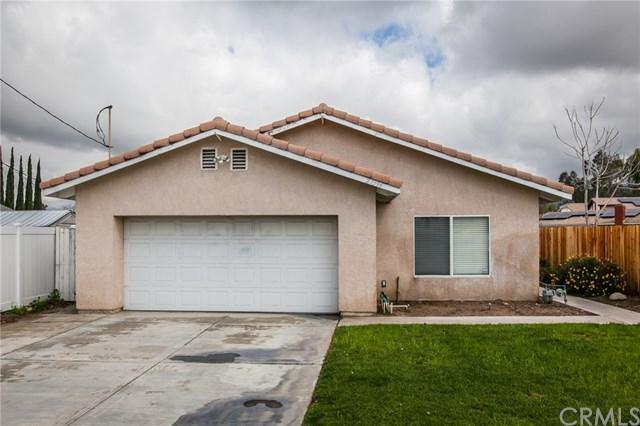 27396 Cypress Street, Highland, CA 92346 (#EV18067139) :: Realty Vault