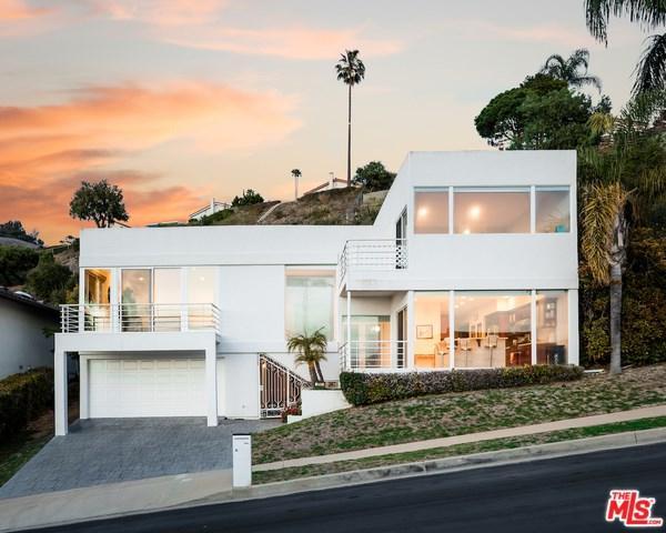 3705 Hightide Drive, Rancho Palos Verdes, CA 90275 (#18325692) :: Barnett Renderos