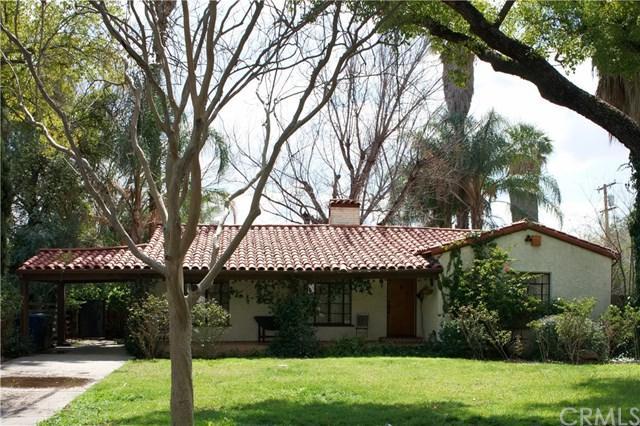 925 W Marshall Boulevard, San Bernardino, CA 92405 (#IV18066813) :: RE/MAX Masters